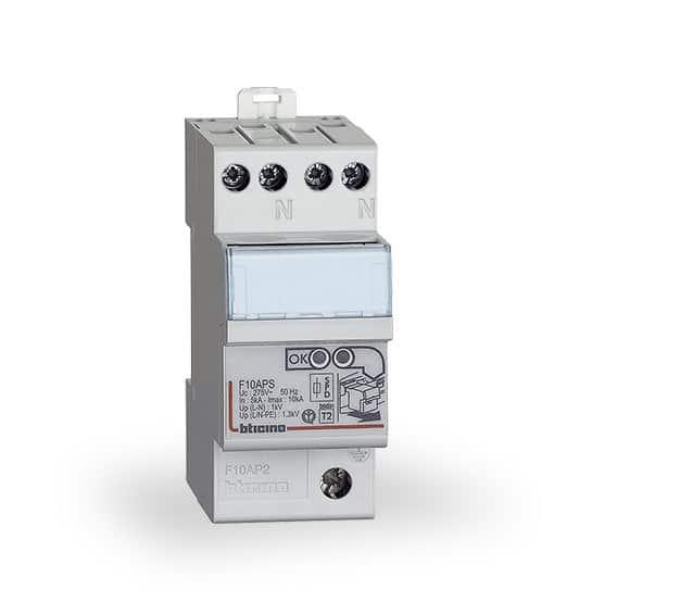Salvafulmine per proteggere dagli sbalzi di tensione for Stabilizzatore di tensione 220v 3kw prezzi