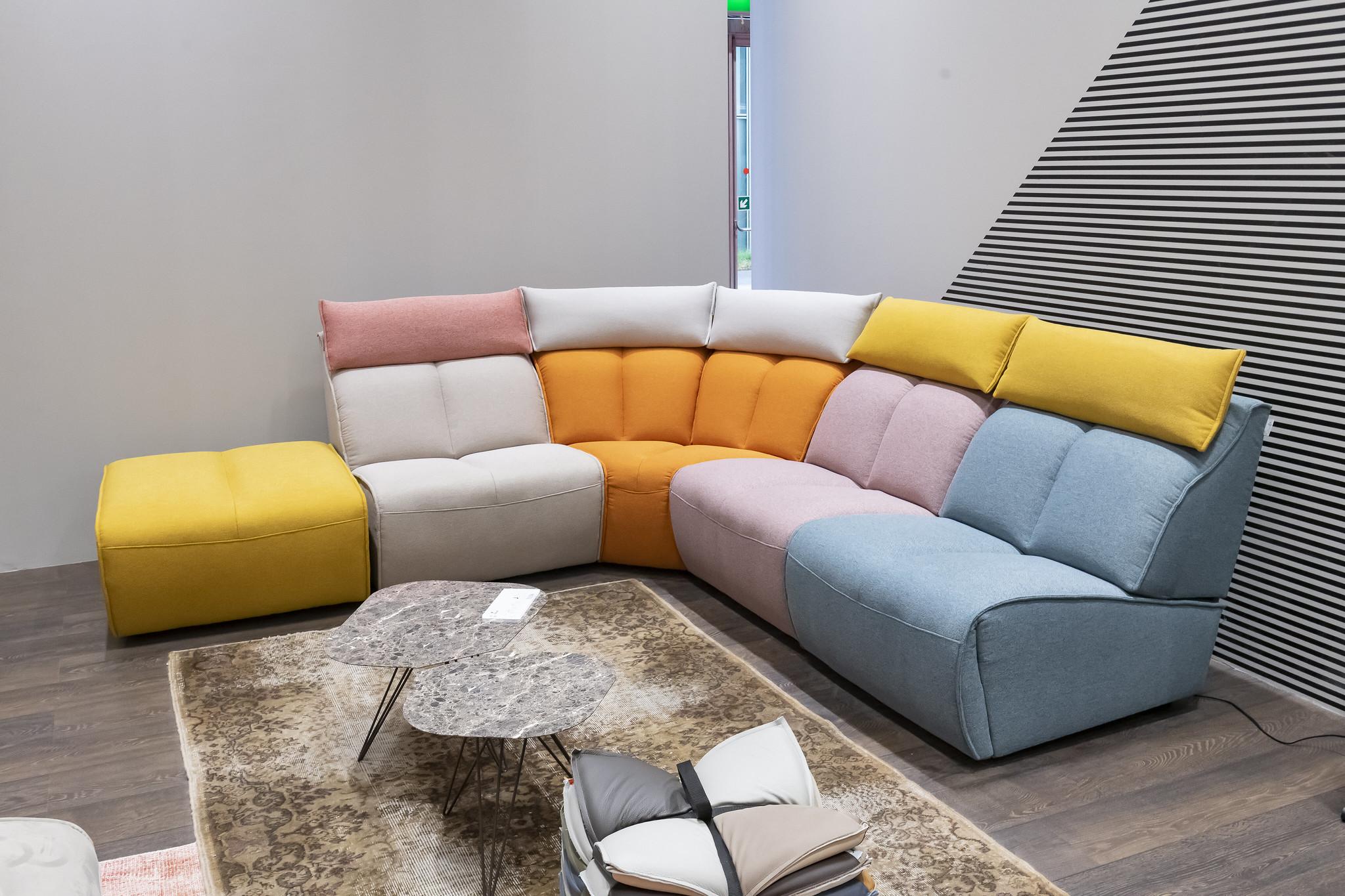 Il divano del futuro al Salone del Mobile di Milano